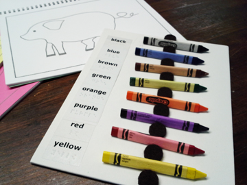 The crayon organizing board