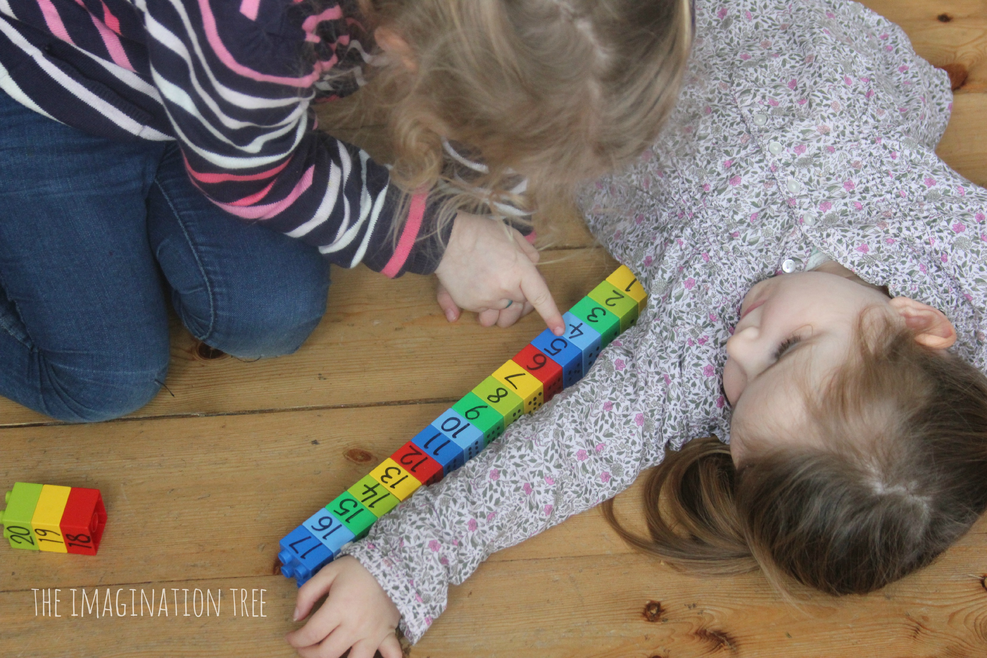 Counting and measuring with Legos shows a Lego ruler